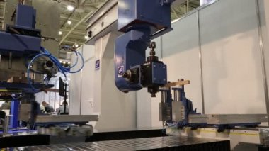 Multiprocessing machine tool for woodworking — Stock Video