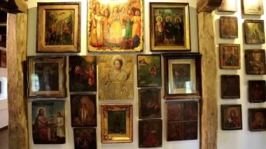 Old icons inside Radomysl Castle — Stok video