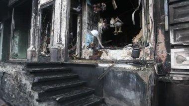 Burnt building — Stock Video