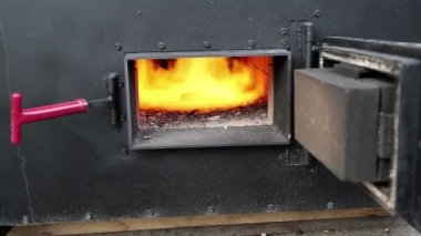 Fire burning in furnace — Stock Video