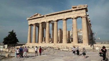 Personnes près de Parthénon — Vidéo
