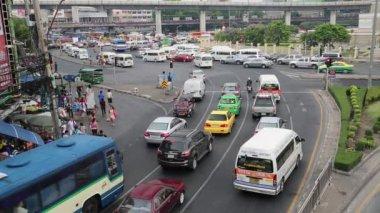 Moving traffic in Bangkok — Stock Video
