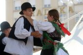 Leden van folk groep seljacka sloga uit donja dubrava, kroatië tijdens de 48ste internationale folklore festival in zagreb — Stockfoto