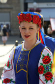 Members of folk group Edmonton (Alberta), Ukrainian dancers Viter from Canada during the 48th International Folklore Festival in Zagreb — Stock Photo