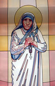 Stained glass window with the image of Mother Teresa in the Memorial House in Skopje — Stock Photo
