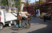 Rickshaw driver in Kolkata — Stockfoto