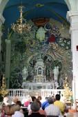 Mass for pilgrims in the Catholic Church Saint Eustache in Dobrota, Montenegro — Stock Photo