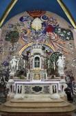 Altar in Catholic Church Saint Eustache in Dobrota, Montenegro — Zdjęcie stockowe