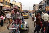 Rickshaw driver in Kolkata, India — Foto de Stock