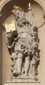 Statue of Saint on Jesuits church in Vienna — Stock fotografie