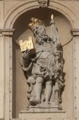 Statue of Saint on Jesuits church in Vienna — Stock Photo