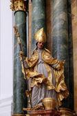 статуя святого, алтарь в соборной церкви в зальцбурге — Стоковое фото