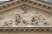 Architectural details on the famous Karls kirche in Vienna — Stock Photo