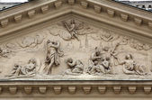 Architectural details on the famous Karls kirche in Vienna — Stock fotografie