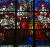 Window dedicated to Rudolf I, Stained glass in Votiv Kirche in Vienna — Stock Photo