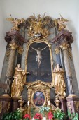 Altar of Holy Cross, Mariahilf church in Graz, Styria, Austria — Stock Photo