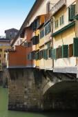 Floransa'daki ponte vecchio köprüsü — Stok fotoğraf