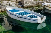 Old white wooden boat — Fotografia Stock