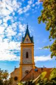Iglesia en la ciudad de hluboka nad vltavou — Foto de Stock
