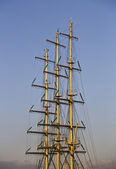 Masts and rigging of a sailing ship — Stock Photo