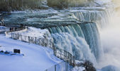 Niagara Falls Surrounded with Ice, Snow, and Frost in Winter — Stock Photo