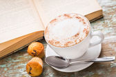 Cappuccino coffee with muffins — Foto Stock