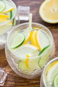 Cold fresh lemonade — Stock Photo