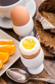 Soft boiled egg for breakfast — Stock Photo