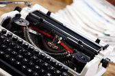 Oude retro schrijfmachine — Stockfoto