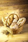 Traditional bread in basket — Photo