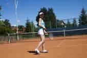 Tennisspeler op de hof — Stockfoto