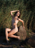 Nude woman on nature background — Stock Photo
