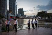 Evening view of the Singapore Rive — Stock Photo