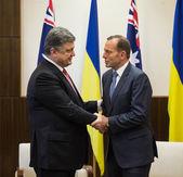 Australian Prime Minister Tony Abbott and President of Ukraine P — Stock Photo