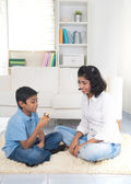 Indian mother and son bonding — Stockfoto