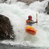 Kayaker in cascata — Foto Stock