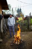 Farmer making barbecue — Stock Photo