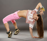Street dancer girl doing moves — Stock Photo