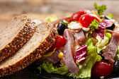 Tuna salad with bread — Stock Photo