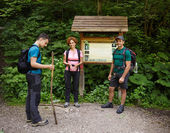 Family of hikers standing — Stock Photo