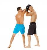 Dos combatientes de kickbox sparring — Foto de Stock