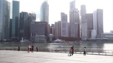 Singapore City across Marina Bay — Wideo stockowe