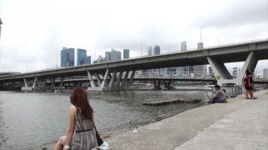 Singapur şehir genelinde Marina Bay — Stok video