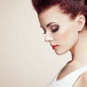 Portrait of beautiful sensual woman with elegant hairstyle — Stock Photo