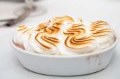 Browned Meringue on Baked Alaska — Stock Photo