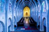 Massive Stone Arch Church — Stock Photo