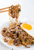 Asian dish stir fried Char Kuey Teow — Stock Photo
