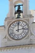 Kyrka klockan — Stockfoto