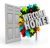 Welcome Home message in 3d words out an open door — Stock Photo