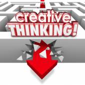 Creative Thinking 3d red words on a maze with arrow — Stock Photo
